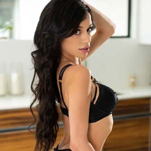 Exclusive Janakpuri Escorts